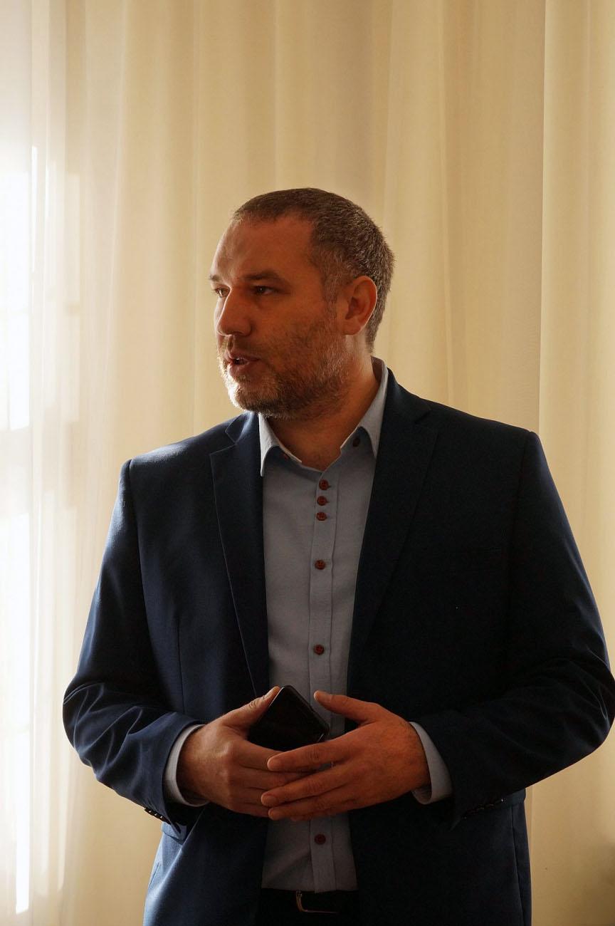 Директор ЗАО «Форест» Руслан Заиченко отвечает на вопросы участников встречи::Вячеслав Мороз/WWF России